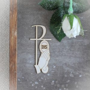 Holy Communion chipboard praying hands 1